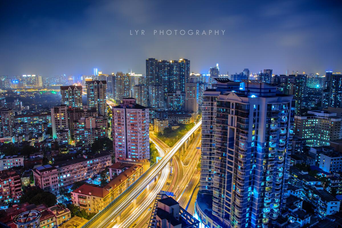 城市夜景的心情说说图片