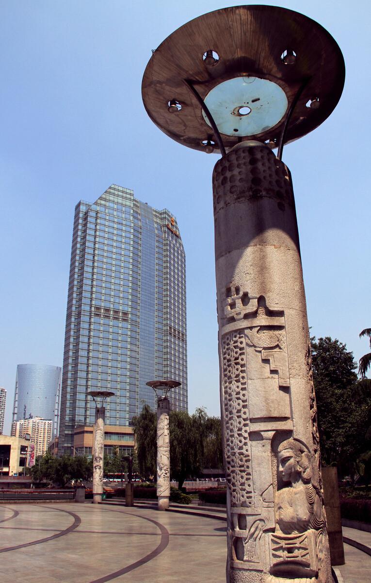 图腾柱 - 成都锦江音乐广场