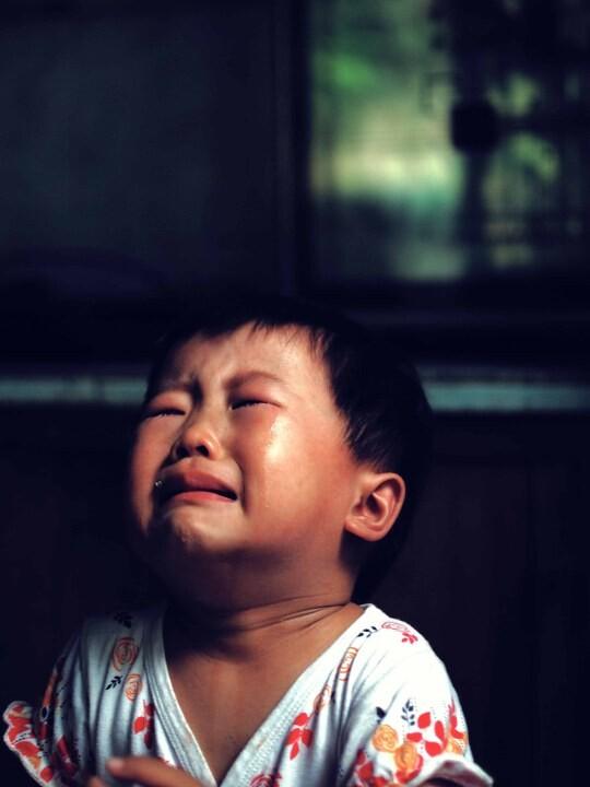 我哭得像小孩_小孩哭的