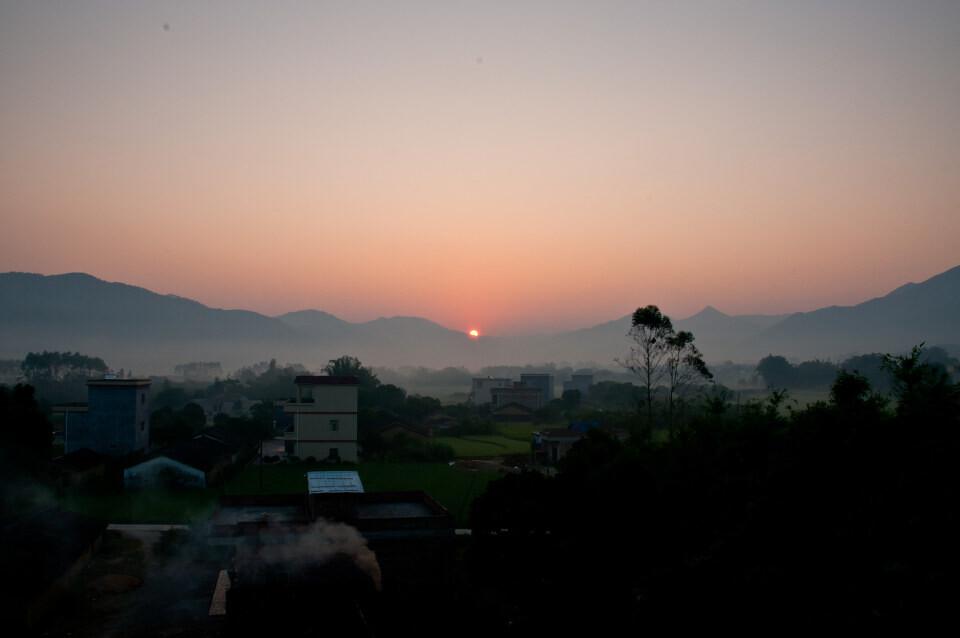 坝上草原万马奔腾(马匹800-1000匹)6日摄影团-白木坡的日出图片