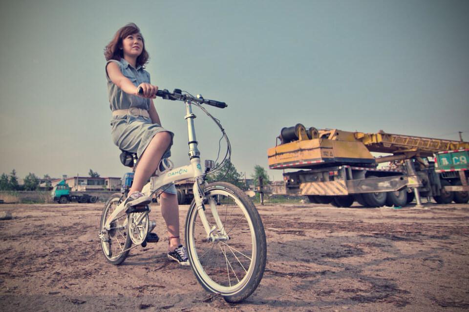 骑单车_骑单车摄影图__日常生活