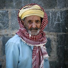 芝加哥 摄影/围头巾的老人