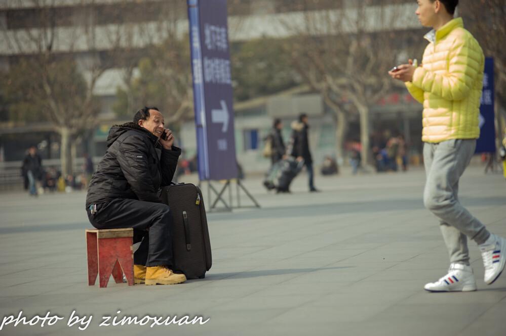 在上海火车站拍春运