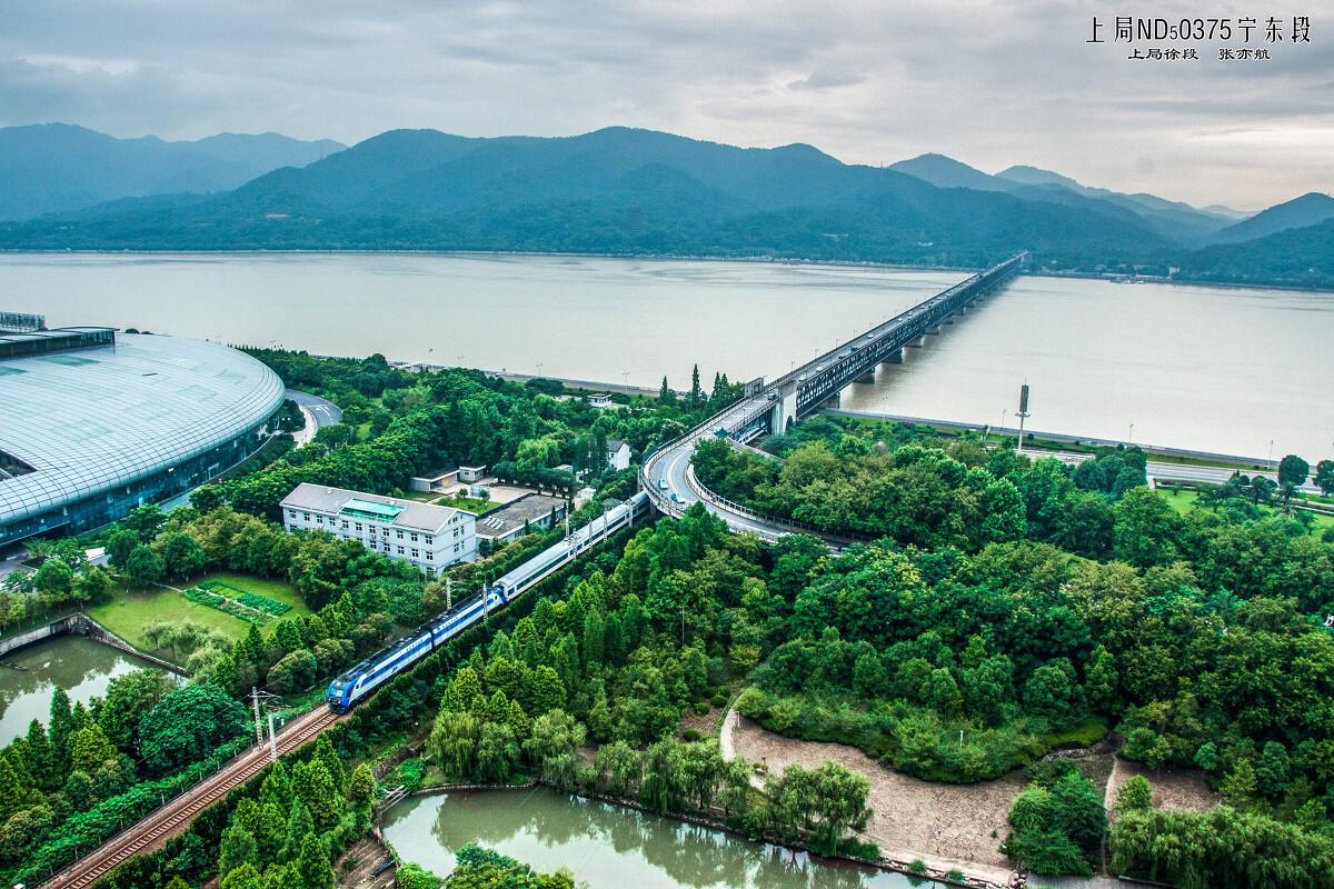 ...京缩线到杭州 北京不再驶过钱塘江大桥了 两个杭州城的象征...
