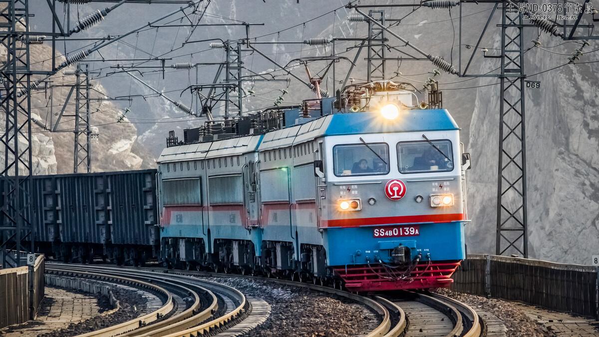 两组SS4B型电力机车v图纸一万吨图纸行驶在东cad货车如何编辑参照图片