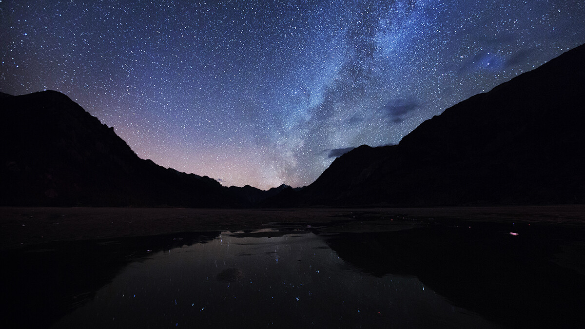 背景 壁纸 皮肤 星空 宇宙 桌面 1200_675图片