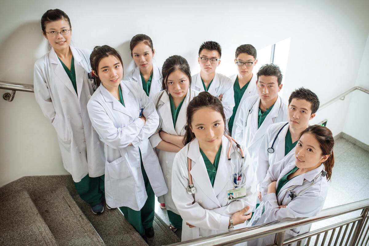 青年医生 - 人像, 医疗, 尼康 - mr.鲤 - 图虫摄影网