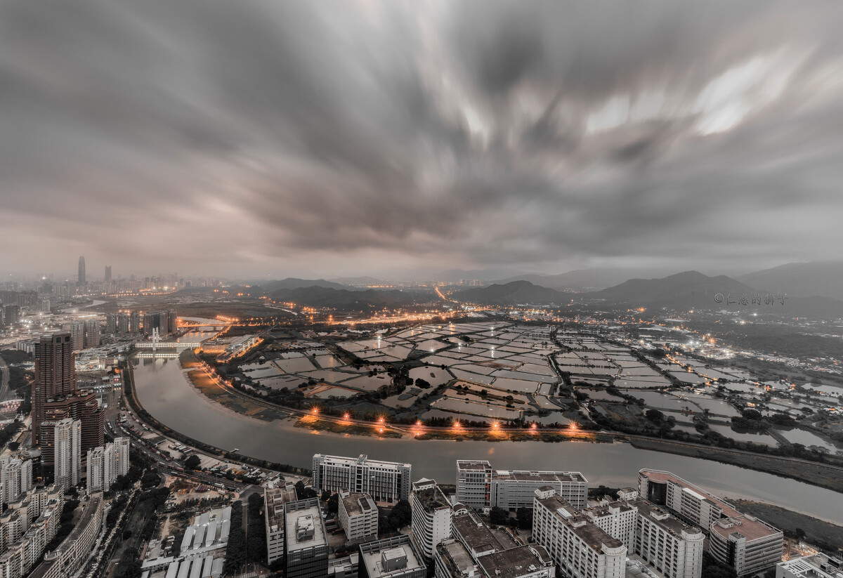 深港皇岗边境,藏着一汪城市之心.图片