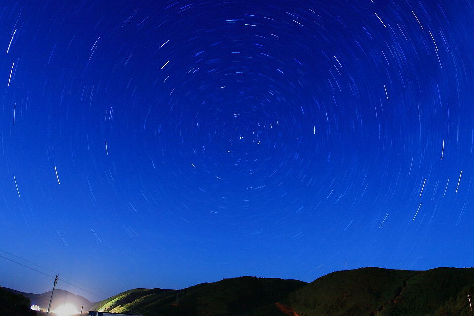 在大苹果树下下载_夜景星空图片图片展示_夜景星空图片相关图片下载
