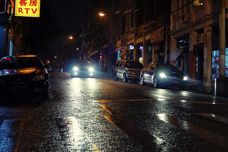 小车灯光 小孔诚像 图虫摄影网 高清图片