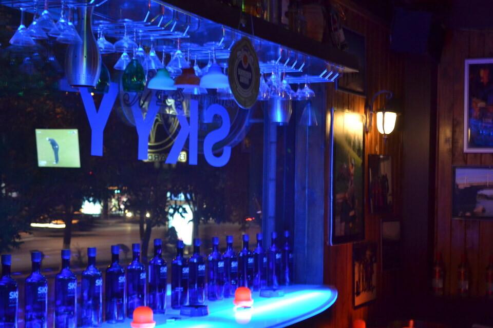 酒吧内景 - peter liu图片