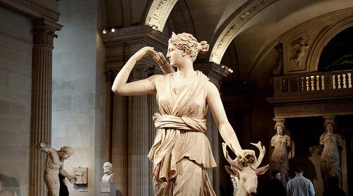 狄安娜女神图片